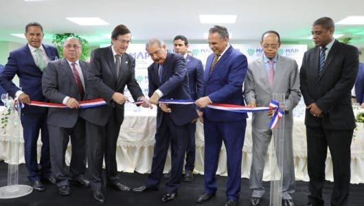 Presidente Medina inaugura oficinas Administración Pública
