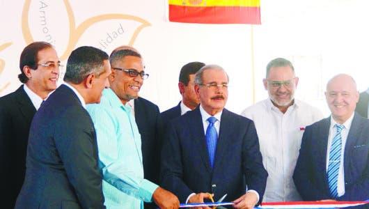 En Ciudad Juan Bosch inauguran otro residencial