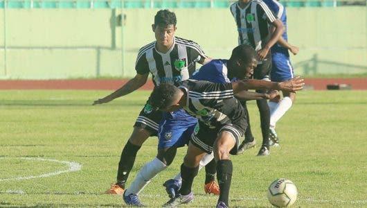 Bob FC y Salcedo FC triunfan en fútbol