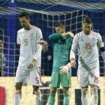 Spain's Sergio Ramos, right, is dejected, along with team mates after Croatia scored the third goal during the UEFA Nations League soccer match between Croatia and Spain at the Maksimir stadium in Zagreb, Croatia, Thursday, Nov. 15, 2018. (AP Photo/Darko Bandic)
