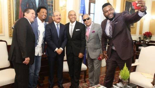 Danilo Medina juramenta a David como Embajador de Buena Voluntad