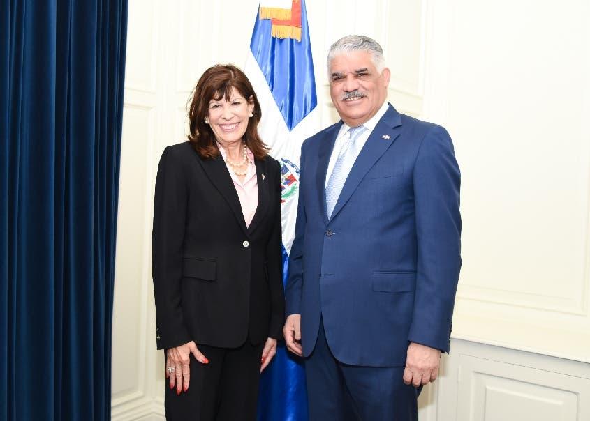 Canciller y embajadora de Estados Unidos se reúnen
