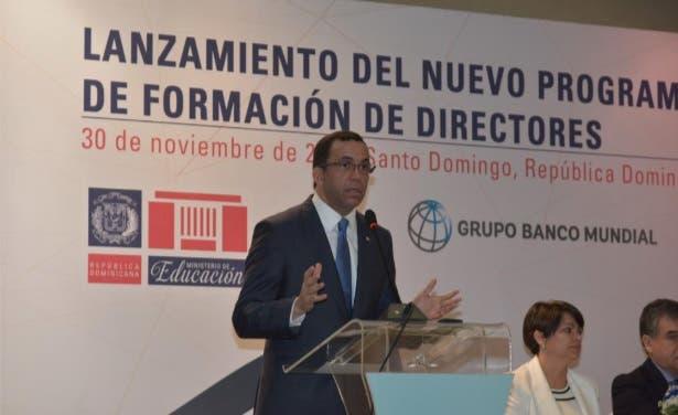 Andrés Navarro lanza nuevo programa de formación de directores de escuelas