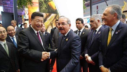 El presidente Danilo Medina le pide a China equilibrar la balanza comercial