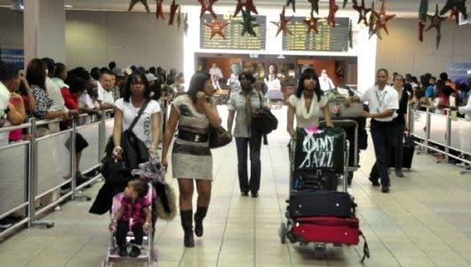 Llegada de dominicanos por festividades navideñas podría alcanzar los 400 mil