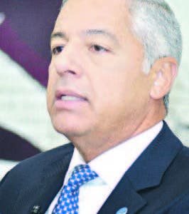 Ministro  Hacienda  no descarta repostulación DM