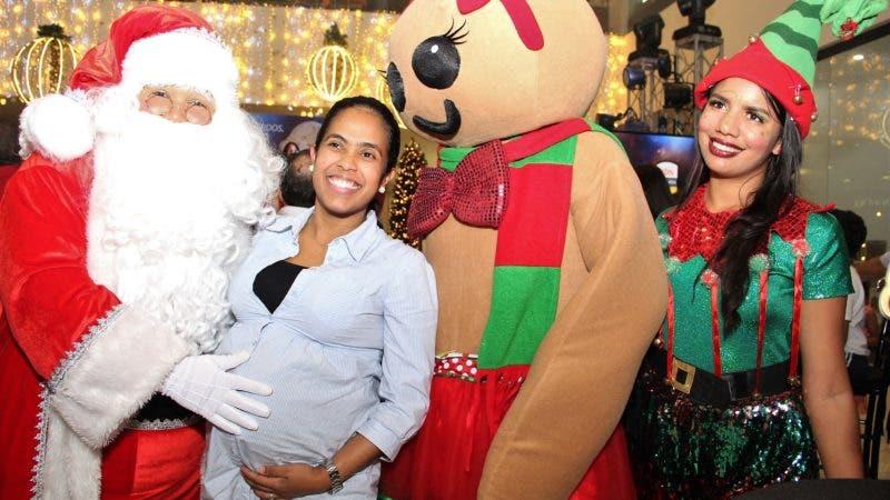Foto 11 - Santa Claus%2c Deyanira Soto%2c la galleta de jengibre y la duende