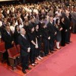 Foto del público que asistió a la misa del novenario de José Rafael Abinader Wassaf, en el auditorio de la Casa San Pablo