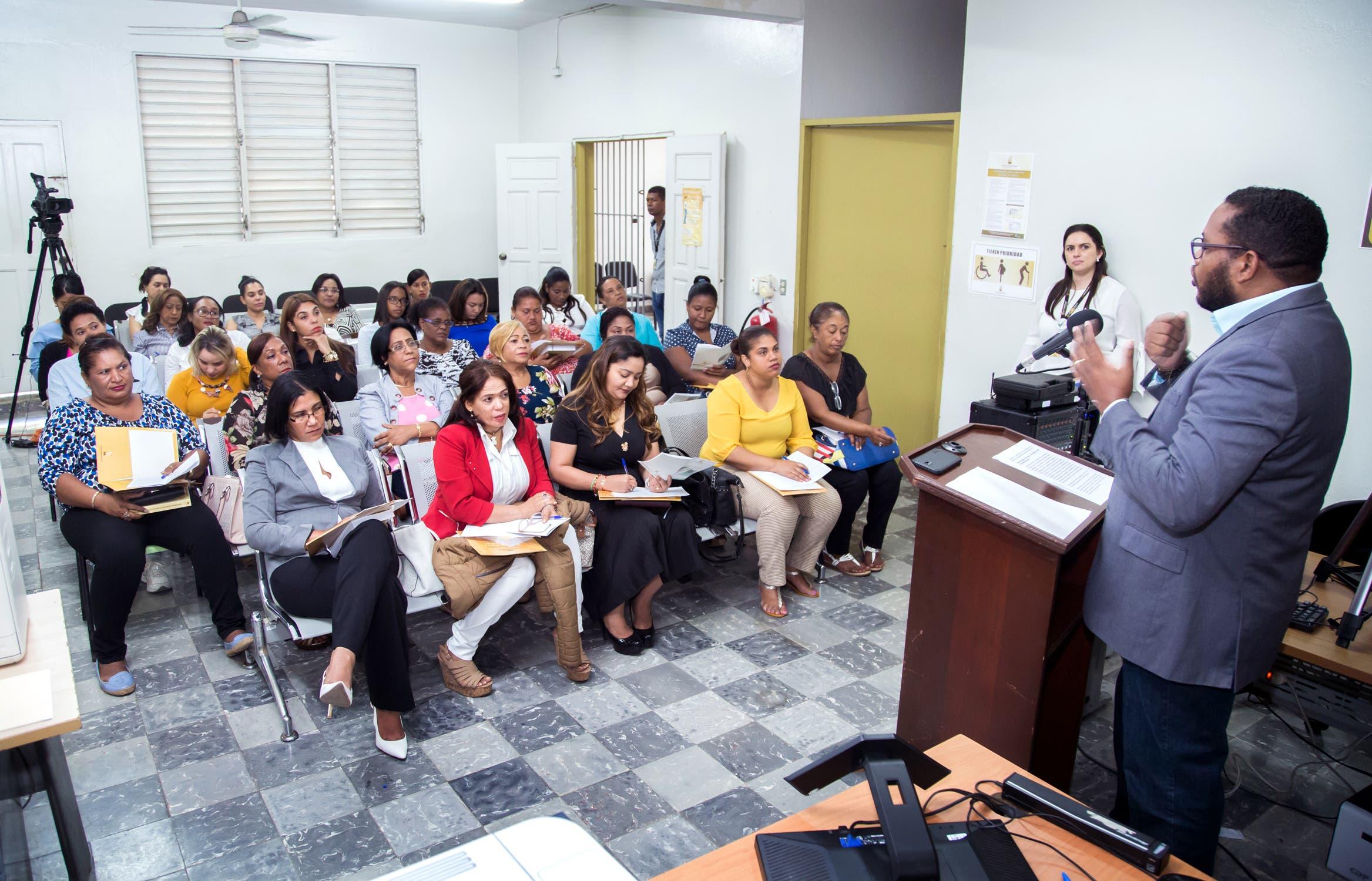 """JCE inicia """"Jornadas de Formación para la Participación de la Mujer en la Política"""""""