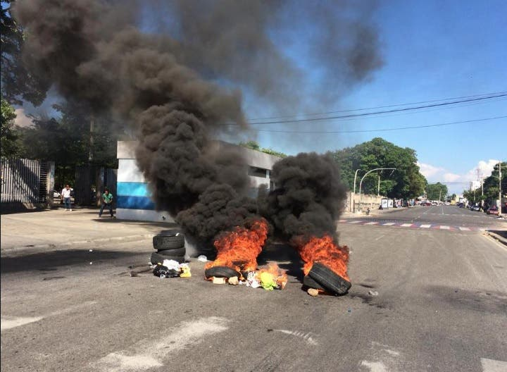 Se registran disturbios en la UASD; suspenden docencia para mañana martes 27