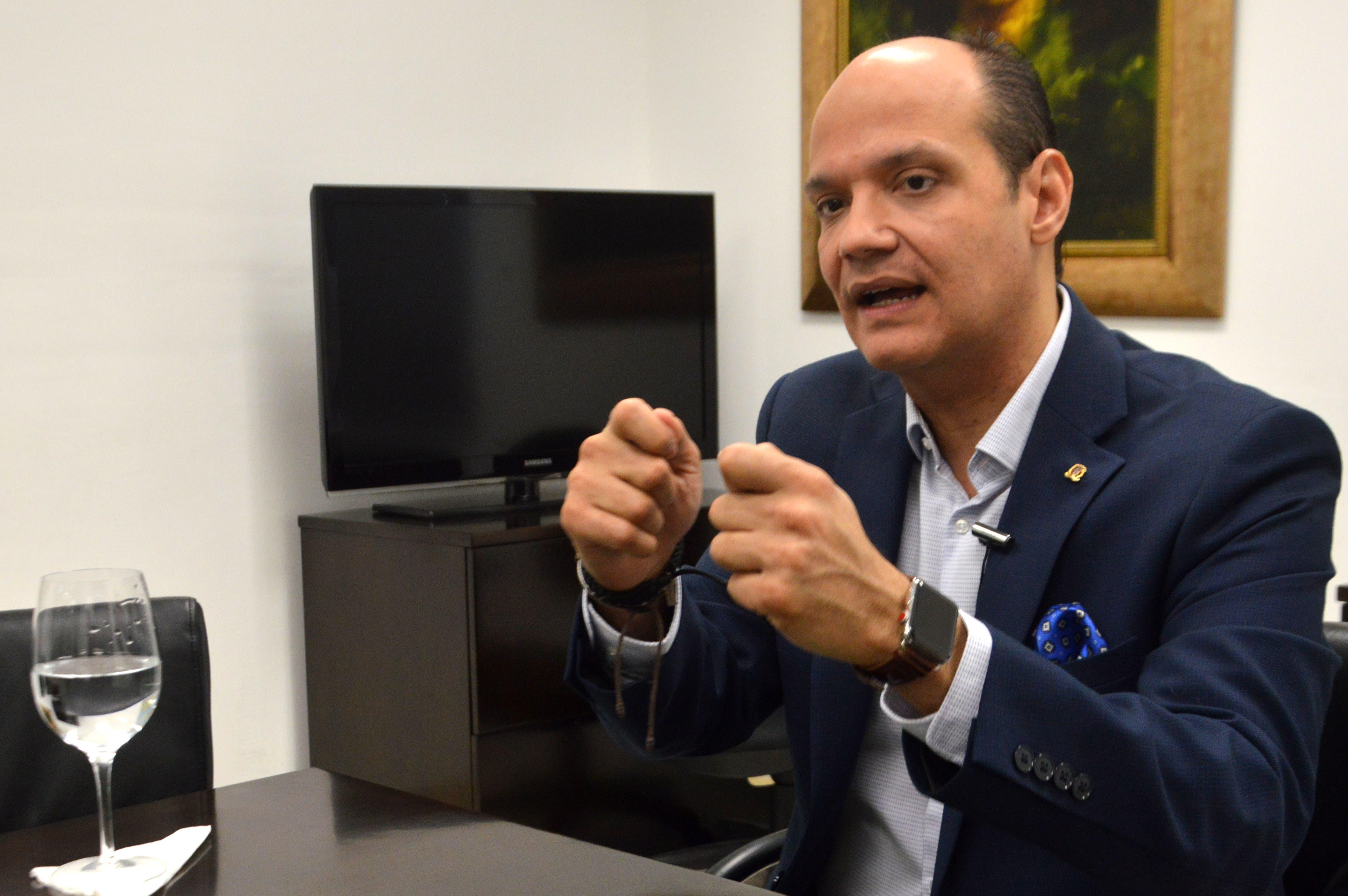 Video: Ramfis Trujillo promete 50% de su gabinete a la mujer dominicana