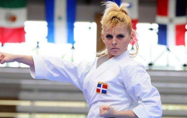 La dominicana María Dimitrova estará en la pelea por el bronce mundial en Kárate