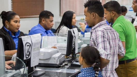 Migración informa que ya pueden solicitar en línea los permisos de salida de menores