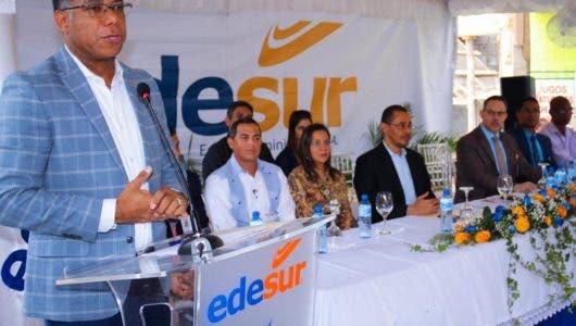 Edesur coloca en 24 horas de energía a sectores del municipio Haina
