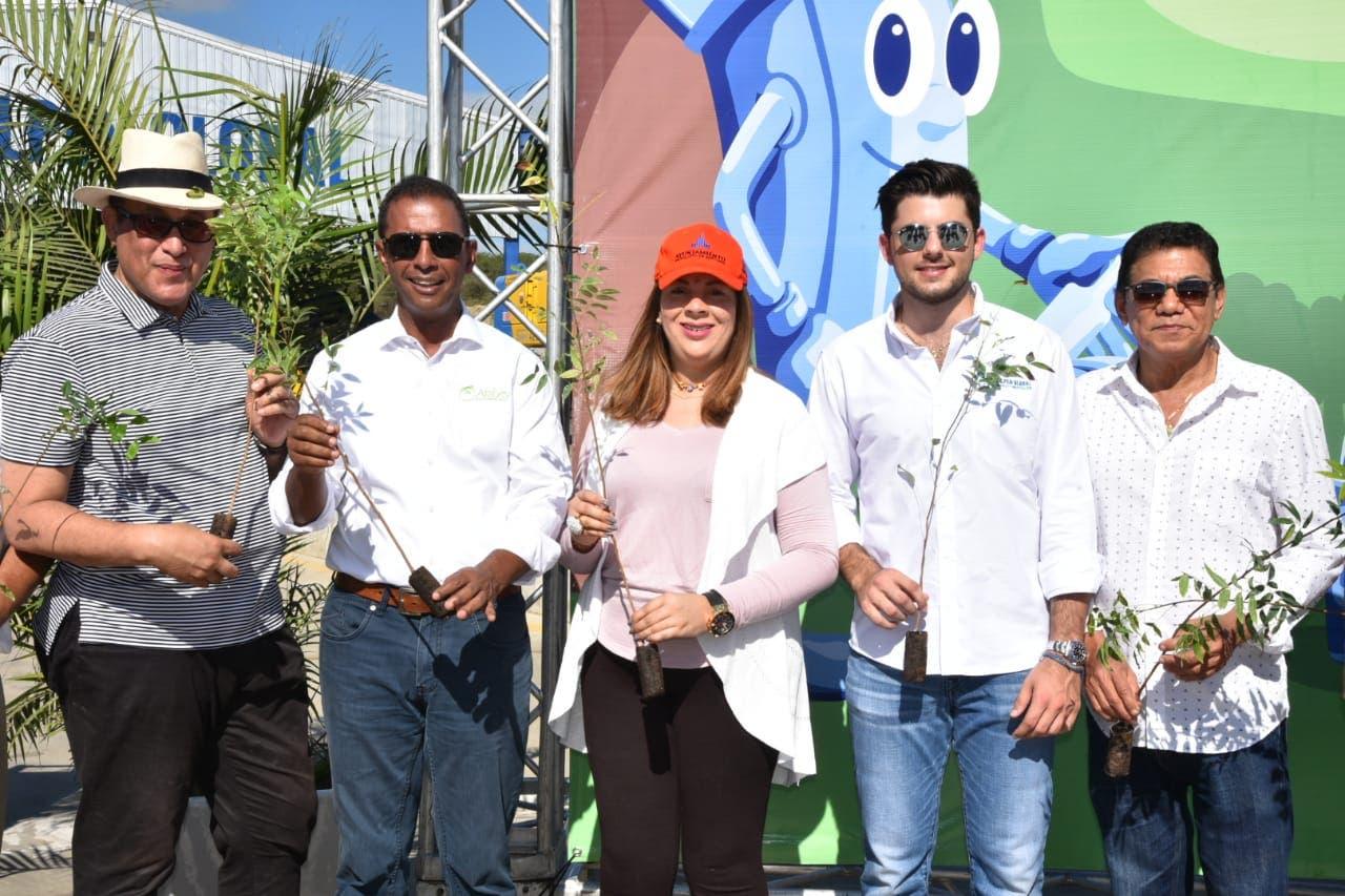 Reforestan vertederos para transformarlos en parques ecológicos en el Caobatón 2018