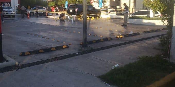 Testigo narra «paso por paso» cómo sucedió enfrentamiento en McDonalds de la Lincoln donde hubo un muerto y tres heridos