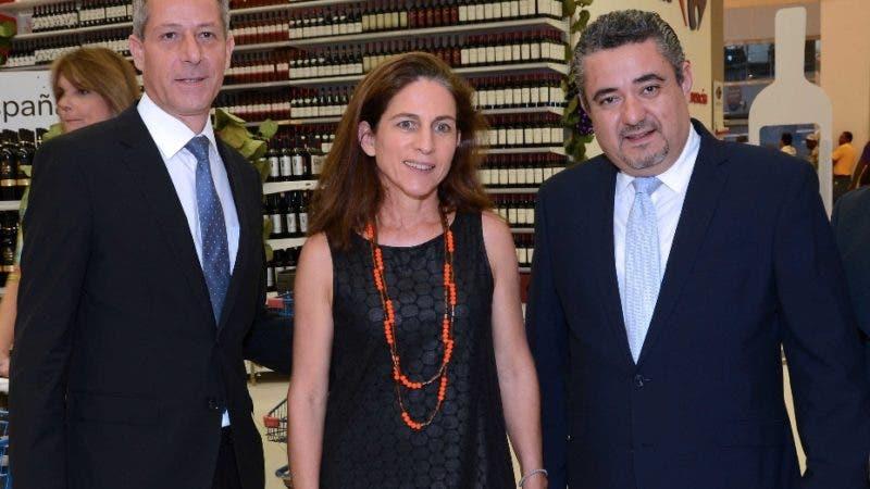 Rostros. Carrefour.          Principal Olivier Pellin, Karine Noetinger y Gerardo García.