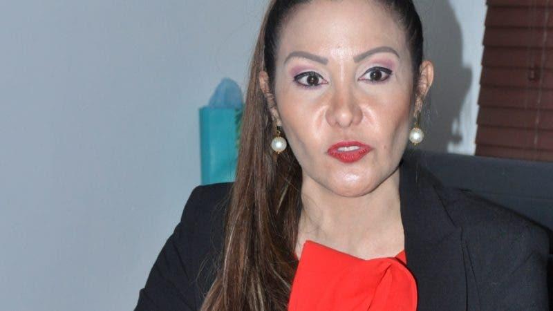 Entrevista con la directora del Servicio Regional de Salud Metropolitano (SRSM), doctora Mirna Font-Frías, sobre lo ocurrido con la vacuna antirrábica  Hoy/ Arlenis Castillo/06/12/18.