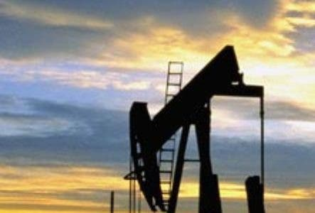 Oil Well Pumps --- Image by © Craig Aurness/CORBIS. Petroleo