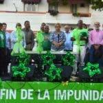 Varias Organizaciones sindicales y Populares firmaron acuerdo de lucha con la Marcha Verde, en el parque Independencia. Foto/ Napoleón Marte 09/12/2018