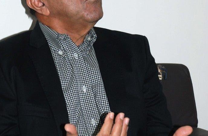 Entrevista al economista y político licenciado Guillermo Caram, en su residencia de la torre Villa Palmera X apartamento 801 B, en la calle Eugenio de Marchena esquina Pedro Henriquez Ureña Distrito Nacional. Hoy/ Arismendy Lora 05/03/2014