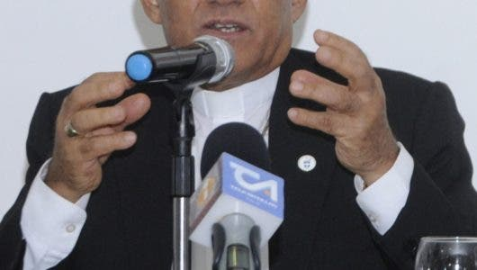 Monseñor Bretón rechaza la división de Santiago