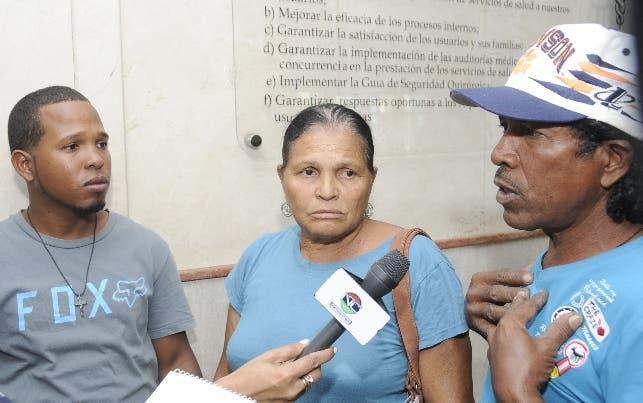 Familiares del niño de seis años que fue diagnosticado con signos de rabia humana en Pedernales.  HOY/ Aracelis Mena.05/12/2018