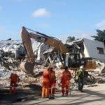 Reportaje sobre la fabrica de plástico que sufrió una explosión en el sector de villa agrícola dejando mucho daño materiales y  muchas persona herida. En foto : rescatista RD HOY Duany Nuñez 9-12-2018