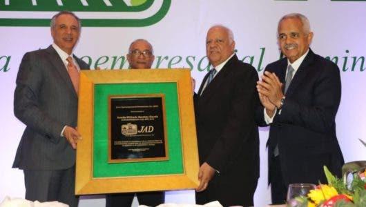 JAD reconoce Agroempresario del Año a Wilfredo Bautista