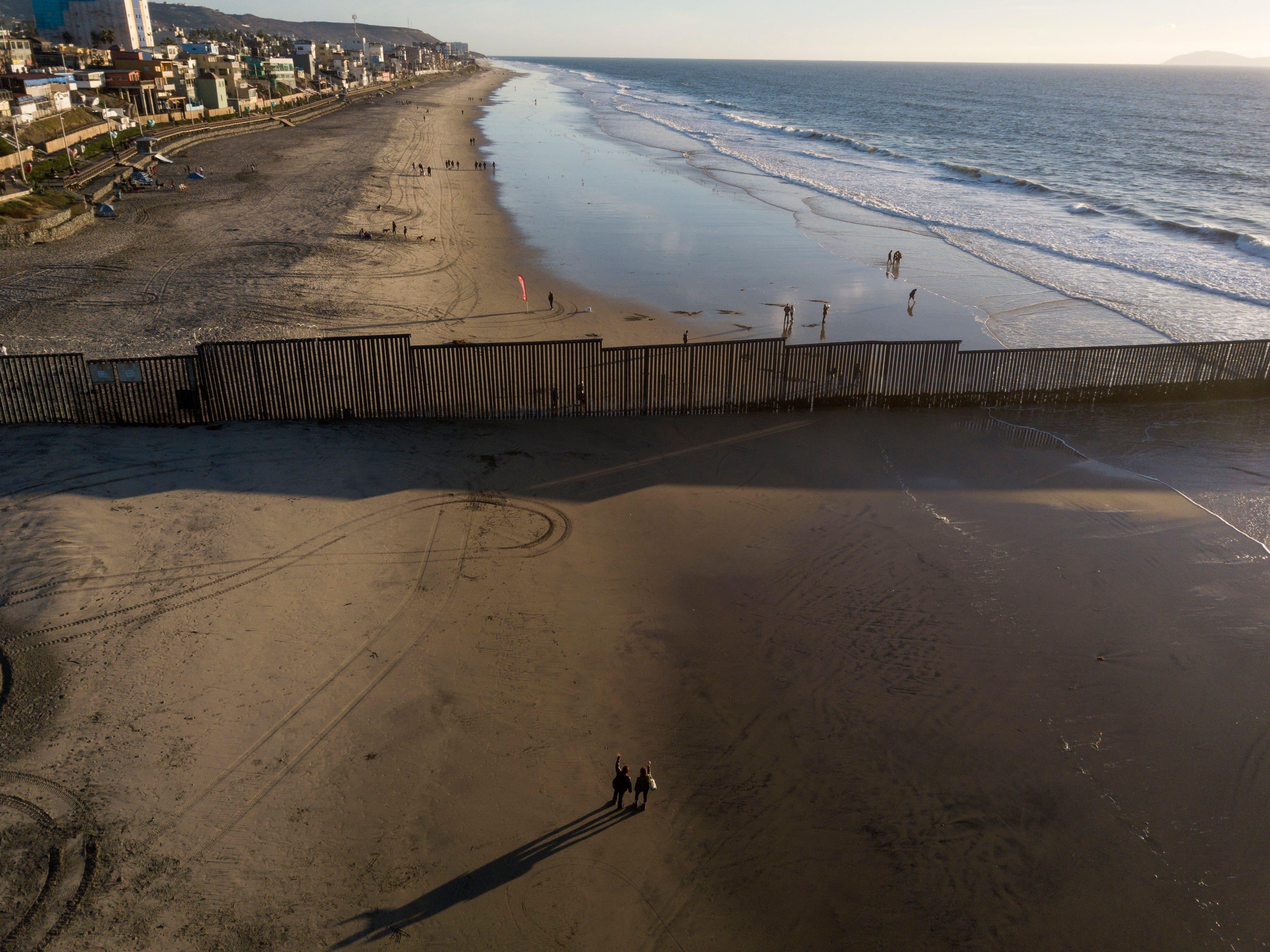Corte Suprema de EEUU rechaza demanda contra muro fronterizo