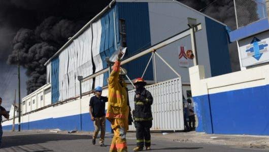 Fotos y videos: Lo que sabe de la explosión en Polyplas Dominicana en Villas Agrícolas