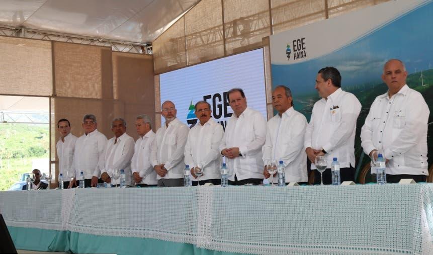 Medina encabeza inauguración de parque eólico Larimar II; aportará de 48.3 megavatios