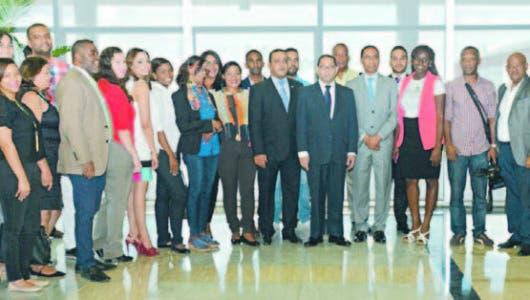 Presidente SCJ advierte no se dejará quitar control notarios