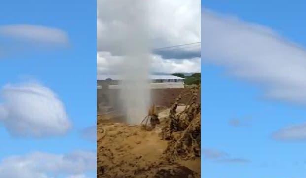 Emanación de gas en Villa Tapia despierta interés de autoridades Energía y Minas