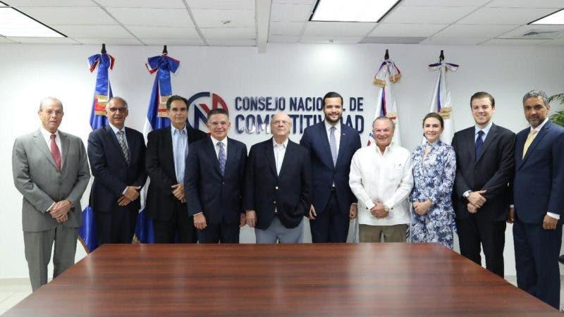 HM REUNIDO CON EL CONSEJO NACIONAL DE COMPETITIVIDAD