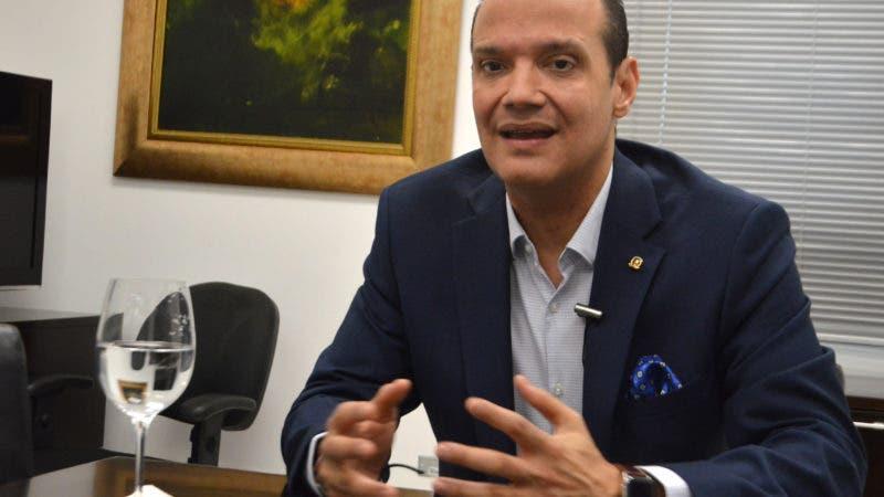 Entrevista al señor Ranfis Domínguez Trujillo candidato a presidente de la República por el partido PDI, durante una visita a la redacción al periódico Hoy. Foto/ Napoleón Marte 29/11/2018