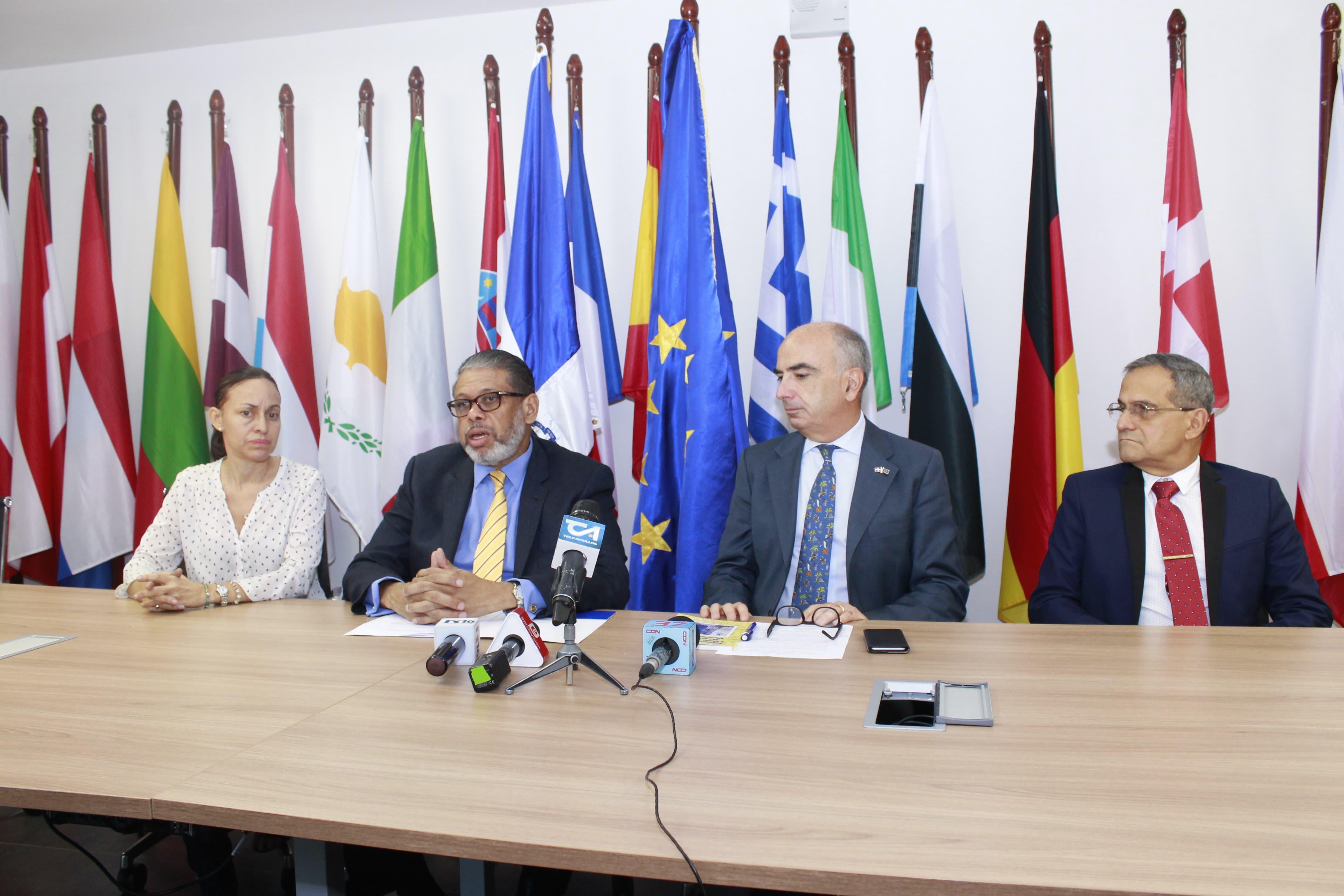 Inposdom y Unión Europea en RD lanzan concurso nacional de diseño del Sello Postal