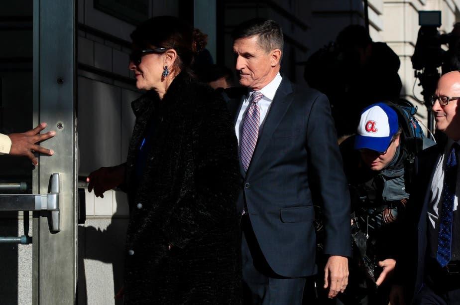 """Trump desea """"buena suerte"""" a Flynn antes de que se conozca su sentencia"""
