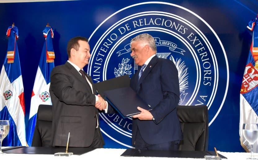 República Dominicana y Serbia firman acuerdos cooperación y suprimen visados