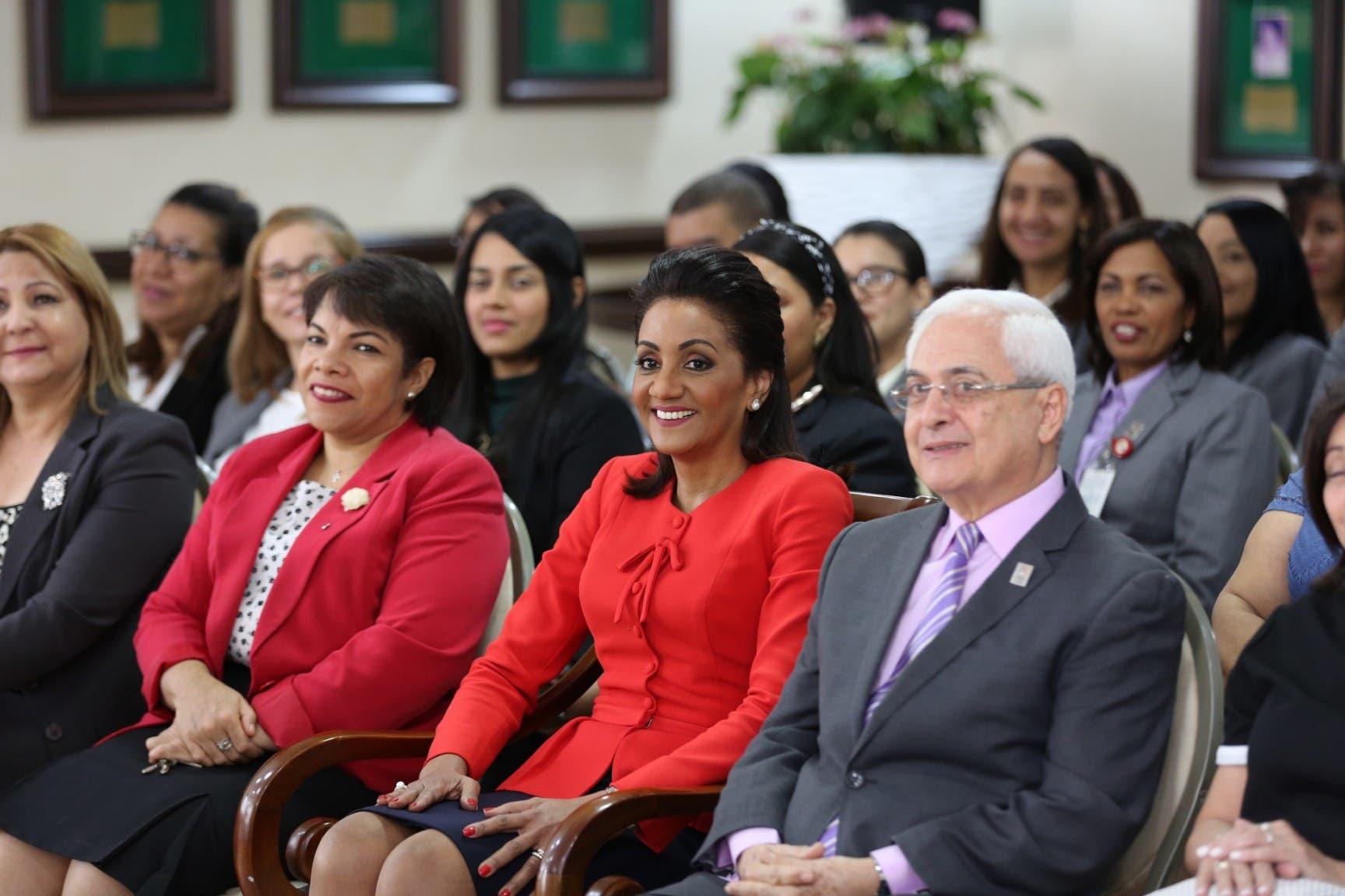 Despacho de la Primera Dama celebró misa de Navidad