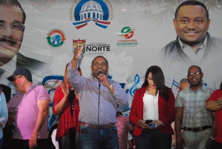 René Polanco deja iniciada fiestas populares de Santo Domingo Norte