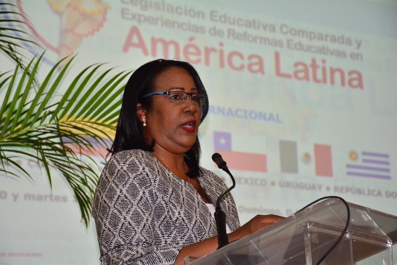 Presidenta ADP aboga por una ley de Educación que sintonice con el momento