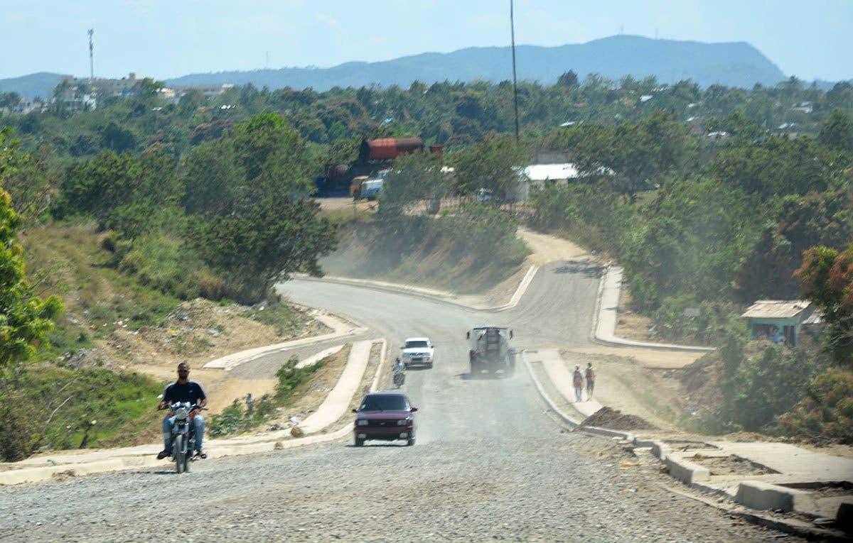Denuncian ocupan área verde en Los Alcarrizos