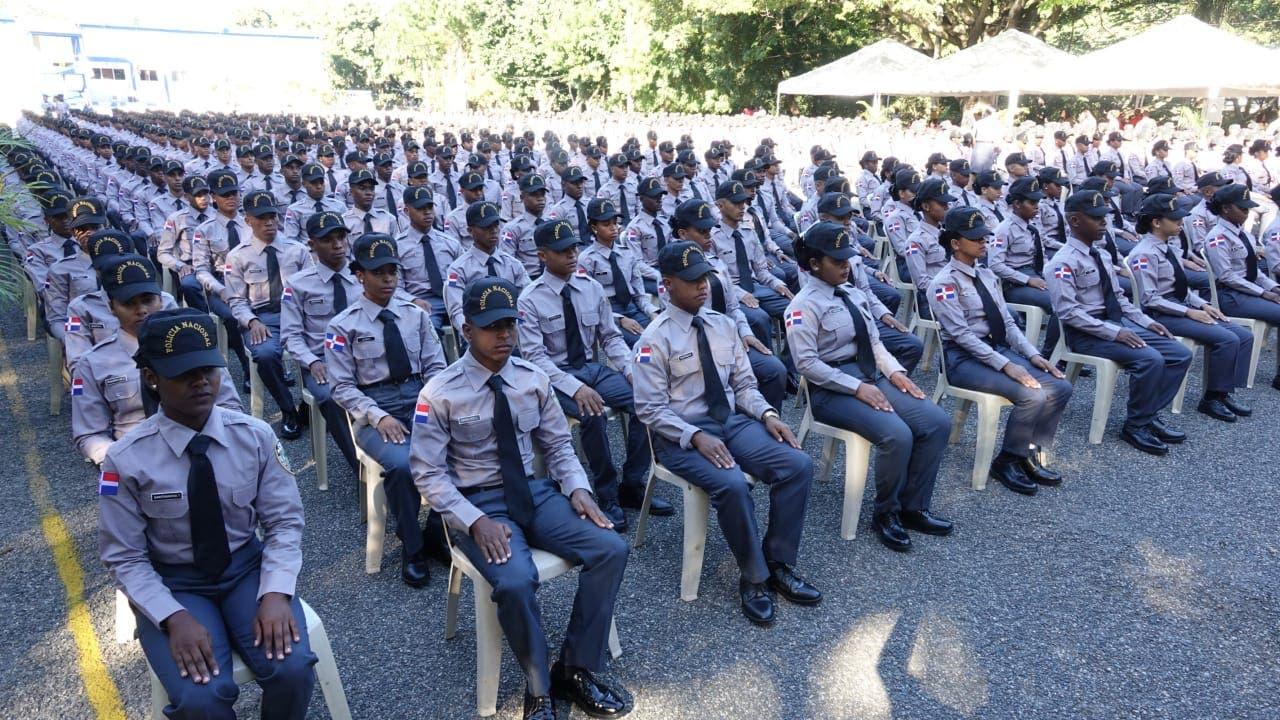 Policía Nacional gradúa 785 nuevos agentes