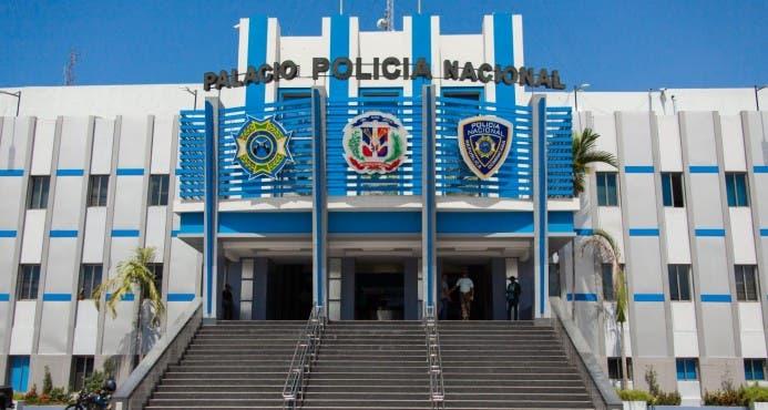 PN suspende y pone a disposición de la justicia a agentes por caso de recluso fugado en Santiago