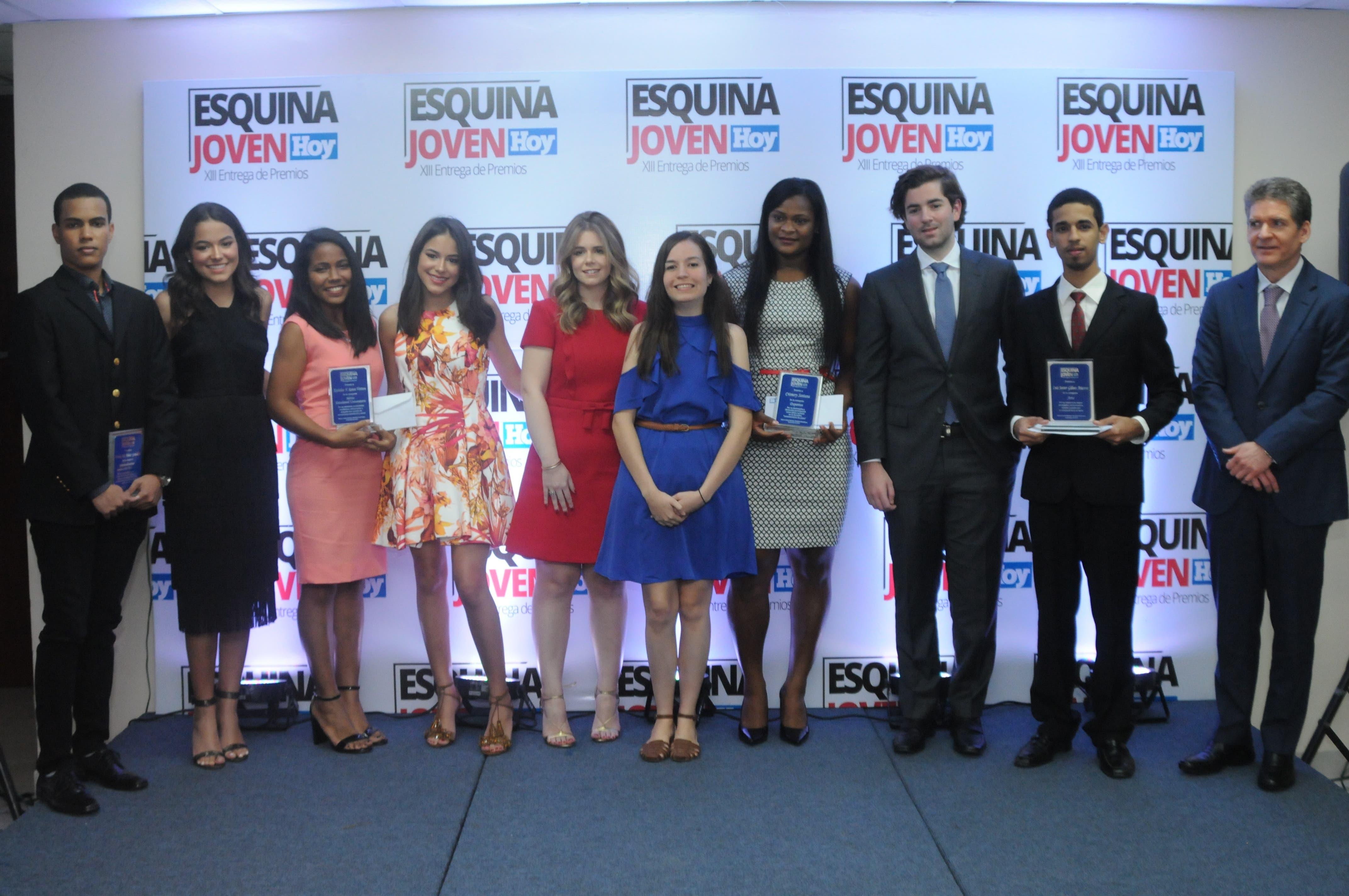 Esquina Joven del periódico Hoy reconoce a cinco estudiantes