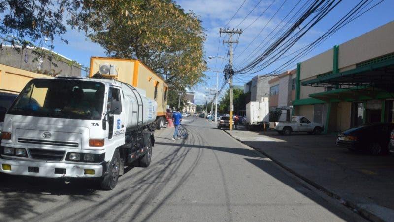 "Calle ""Paseo de los Aviadores"", antigua ""Calle 6"", del ensanche Miraflores. Hoy. Foto/ Napoleón Marte 23/01/2019"