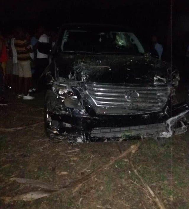 Héctor Acosta «El Torito» sufre accidente de tránsito en la autopista Duarte