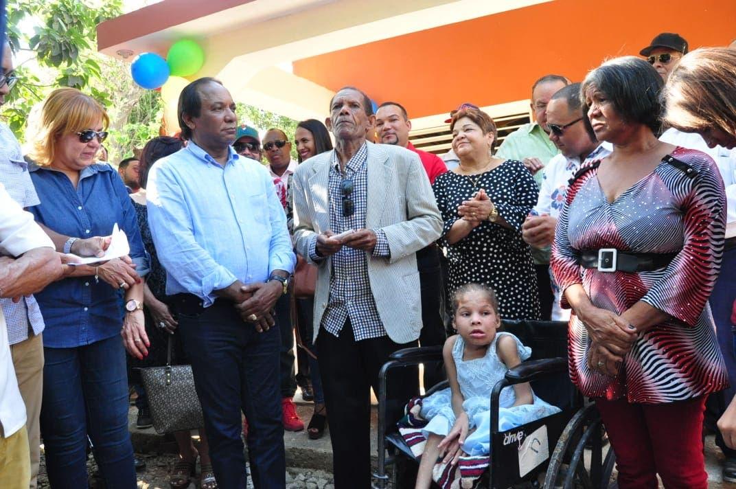 El Partido Cívico Renovador y Fundación Sirila Ozuna entregan vivienda en Pueblo Nuevo, Mao