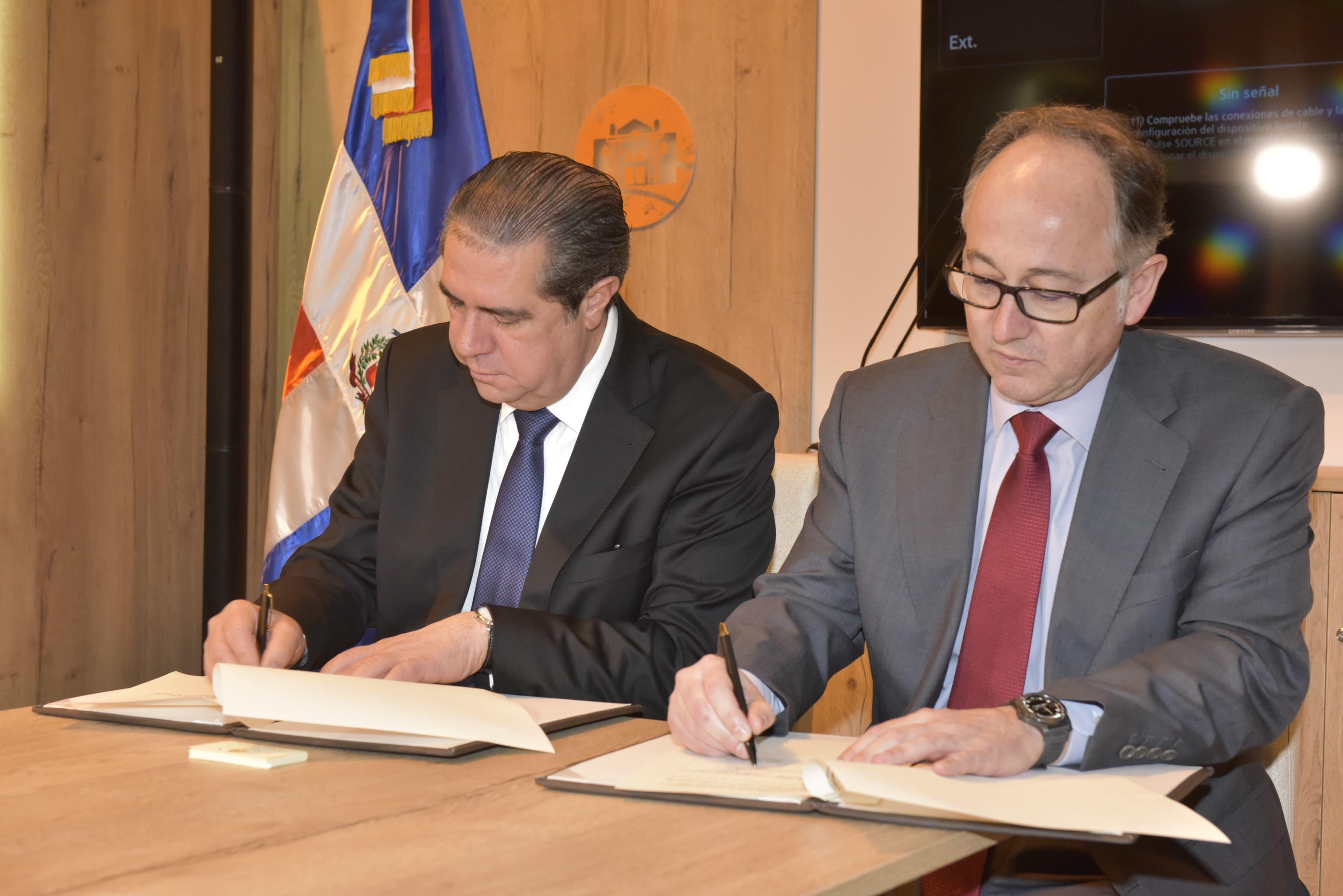 Iberia y MITUR renuevan acuerdo de cooperación para promocionar  República Dominicana